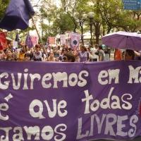 """É possível ser feminista e """"de direita""""? E: os perigos do Feminismo aliado às ideias neoliberais"""